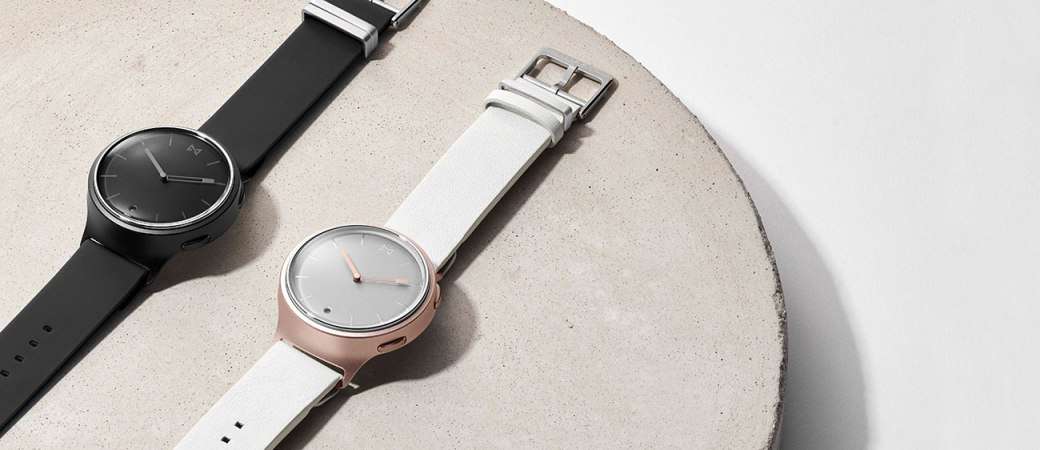 đồng hồ thông minh hybrid Misfit Phase