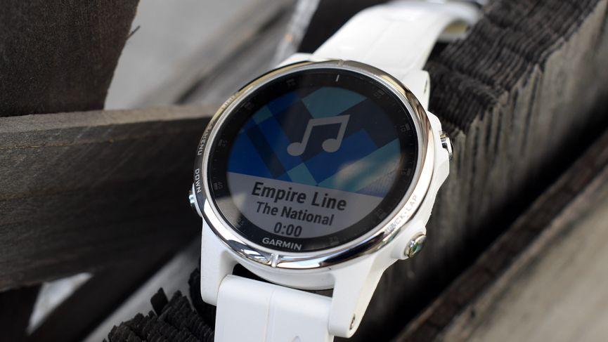 chi tiết đồng hồ Garmin Fenix 5S PLus